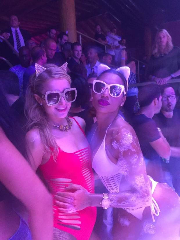 Ana Paula Evangelista e Paris Hilton  (Foto: Divulgação/R2 Assessoria)