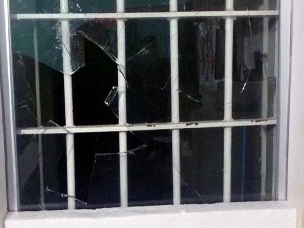 Oitenta presos devem ser transferidos de cadeia após rebelião; alguns locais da unidade foram depredados (Foto: Sejudh-MT)
