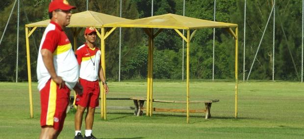 Estevam Soares, técnico do Atlético Sorocaba (Foto: Marcus Vinícius Souza/Globoesporte.com)