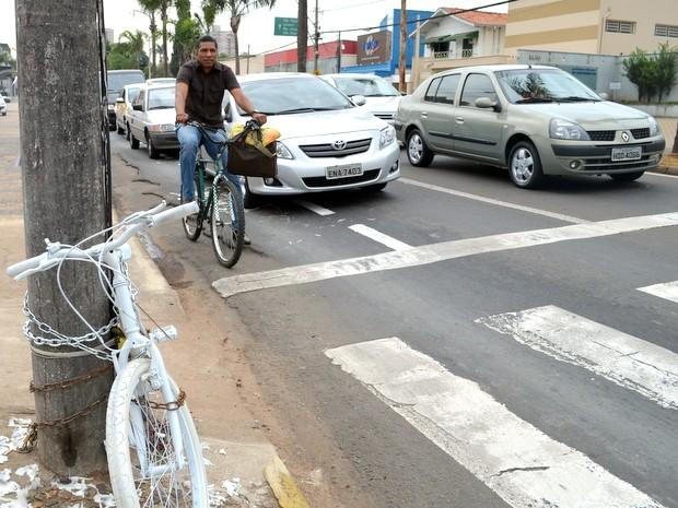 Carlos Fernando Vieira da Costa diz que ciclofaixa é possível em Piracicaba (Foto: Leon Botão/G1)