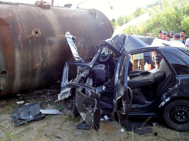 Casal morre em acidente na MG-295 próximo a Brazópolis, MG (Foto: Luciano Lopes)