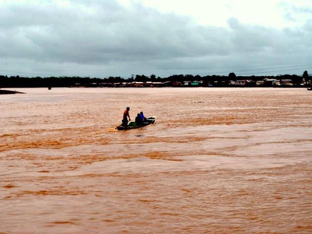 Rio Tarauacá na manhã desta terça-feira (31) quando voltou a subir  (Foto: Ascom/Prefeitura)