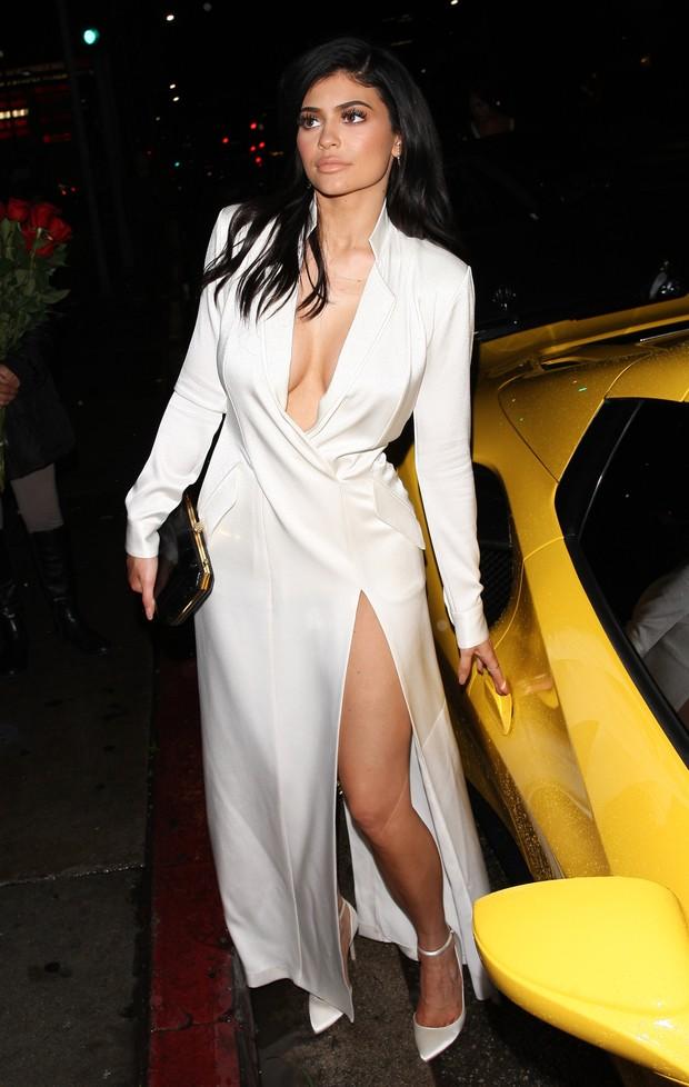 Kylie Jenner em Los Angeles, nos Estados Unidos (Foto: Grosby Group/ Agência)