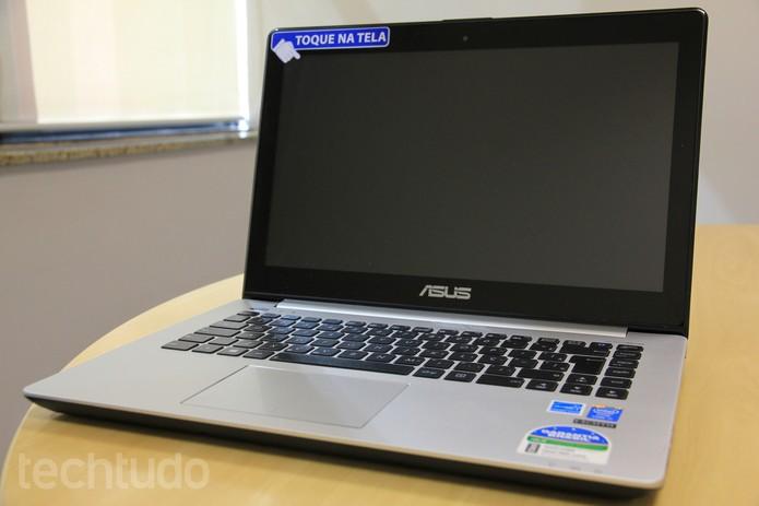 Modelo VivoBook S451LA, da Asus (Foto: Larissa Ferrari/TechTudo)