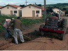 Moradores reclamam de buracos em bairro de São José do Rio Pardo, SP