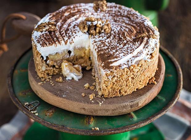 Banoffee (Torta de banana com chocolate e nozes)  (Foto: Rogério Voltan/ Editora Globo)