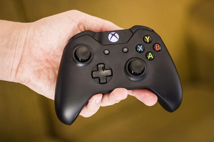 Xbox One: aprenda a atualizar o seu controle (Foto: Débora Magri/TechTudo) (Foto: Xbox One: aprenda a atualizar o seu controle (Foto: Débora Magri/TechTudo))