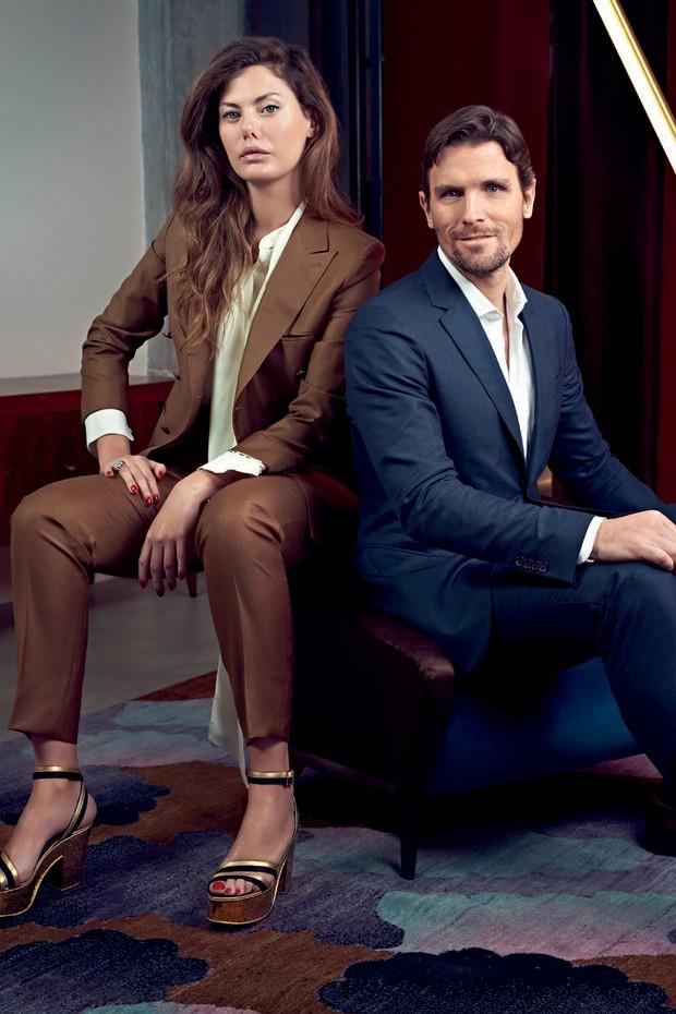 Sara Battaglia ao lado de James Ferragamo, neto do fundador e diretor da área de acessórios da marca (Foto: Carlo Furgeri Gilbert (Photogroup Service) e Divulgação)