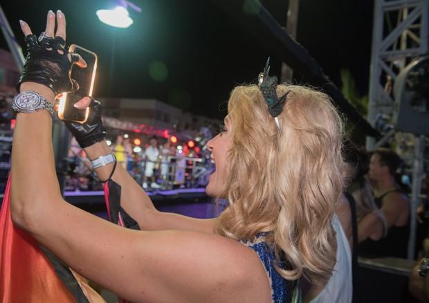 Paris Hilton no Carnaval de Salvador  (Foto: Caio Duran )