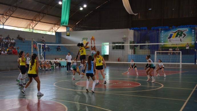 Atletas disputam o JIR (Foto: Jonatas Boni)