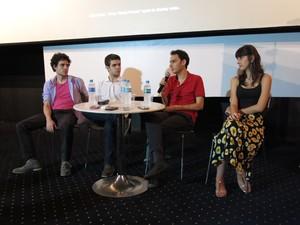 """Diretor e elenco de """"Hoje eu quero voltar sozinho"""" em coletiva (Foto: Célio Silva/G1)"""