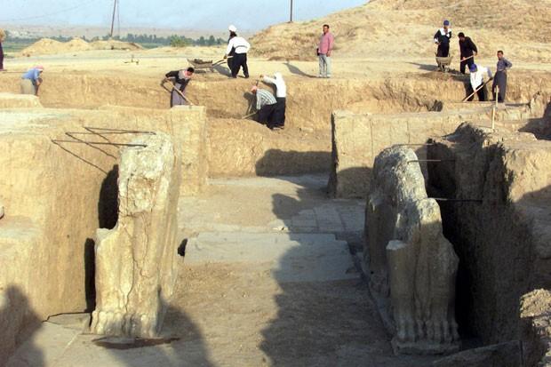 As ruínas assírias de Nimrud, no Iraque, em foto de 2011. Estado Islâmico está destruindo o local (Foto: Karim Sahib/AFP)