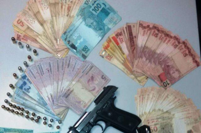 Quatro pessoas são presas por tráfico de drogas em Tramandaí  (Foto: Polícia Civil/Divulgação )