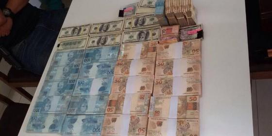 Cédulas apreendidas pela PF (Foto: Polícia Federal)