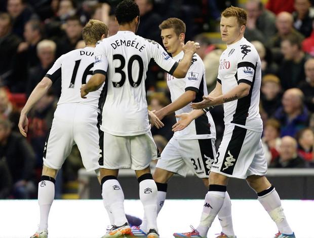 Jogadores gol Fulham (Foto: AP)