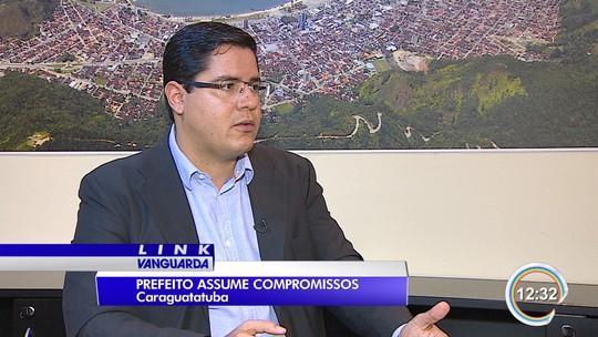 Prefeito de Caraguá, Aguilar Jr., lista promessas e prazo para ações