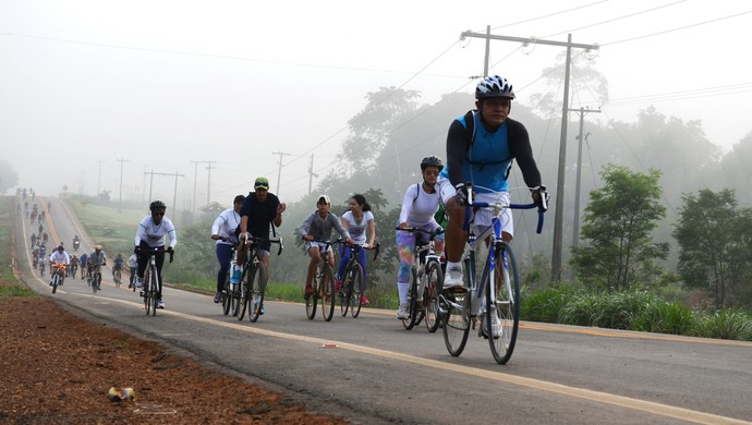 Passeio Ciclistico em Ariquemes reuniu mais de 200 participantes (Foto: Franciele do Vale)