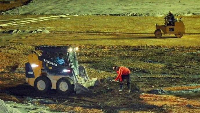 Obras na Curuzu também acontecem no período da noite (Foto: Ascom Paysandu)