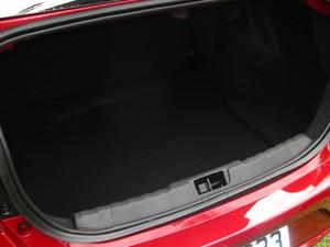 ford ka+ sedan porta malas andre paixao (Foto: André Paixão/G1)