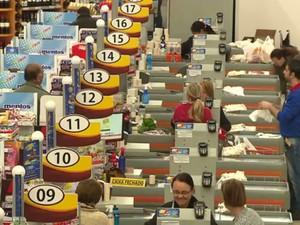 Salário em supermercado está mais atrativo (Foto: Reprodução/ RPC)
