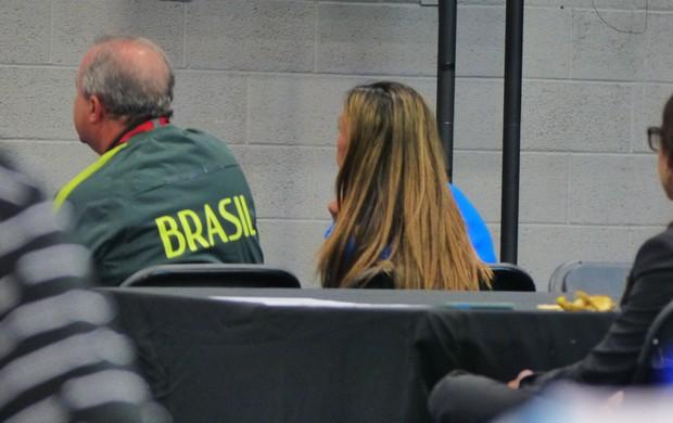 BLOG: Aplicada na missão: Marta confere empate entre Suécia e Nigéria pela televisão