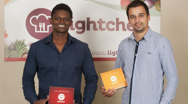 Leandro Valêncio (à esquerda) e Felipe Dubau (à direita), fundadores da Light Chef (Foto: Léo Pereira/Divulgação)