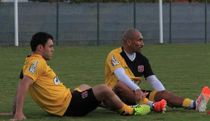 Kléber e Guinazu Treino Vasco (Foto: Marcelo Sadio/Vasco.com.br)