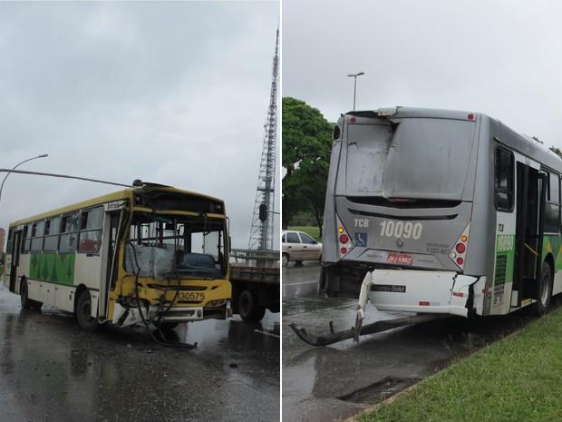 Ônibus das empresas Viplan e TCB ficaram, respectivamente, com a parte dianteira e traseira detsruídos (Foto: Felipe Néri/ G1)