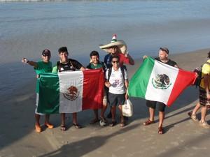 Turistas mexicanos em Natal (Foto: Ferreira Neto/G1)