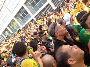 Entrada da Fifa Fan Fest em São Paulo ficou lotada nesta quinta-feira (12) (Foto: Flávia Mantovani/G1)