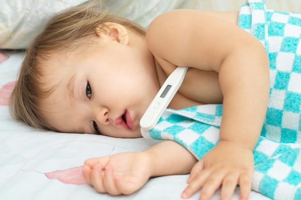 Criança doente (Foto: Thinkstock)