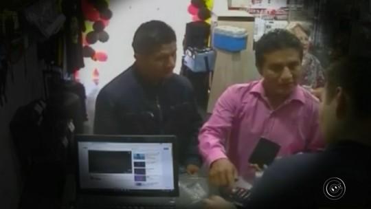 Criminosos distraem vendedor e trocam celular por réplica em lojas de Piraju