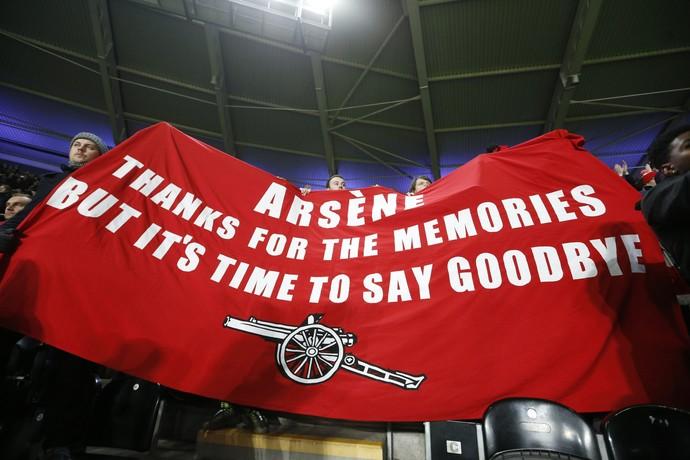 Arsène Wenger protesto (Foto: Reuters)
