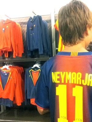 Benjamin torcedor camisa Neymar Barcelona (Foto: Lincoln Chaves)