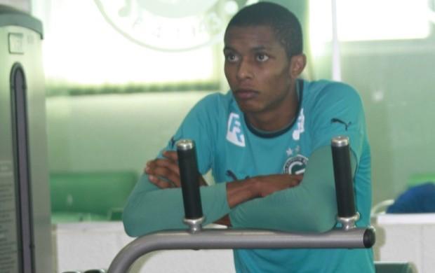 focado (Rosiron Rodrigues/Goiás E.C.)