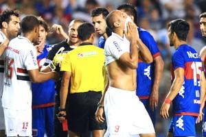 Luis Fabiano, Tigre e São Paulo (Foto: Agência AFP)