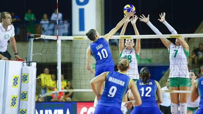 Brasil x Bulgária, em Maceió (Foto: Felipe Brasil/Gazeta de Alagoas)