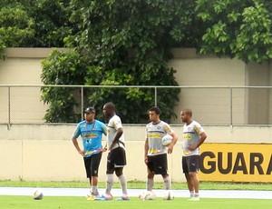 Seedorf, Edilson e Julio Cesar botafogo treino (Foto: Thales Soares)