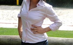 Manuela do Monte faz participação especial como repórter