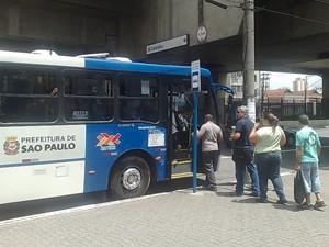 Novo equipamento em ônibus pode reduzir filas (Foto: Roney Domingos/ G1)