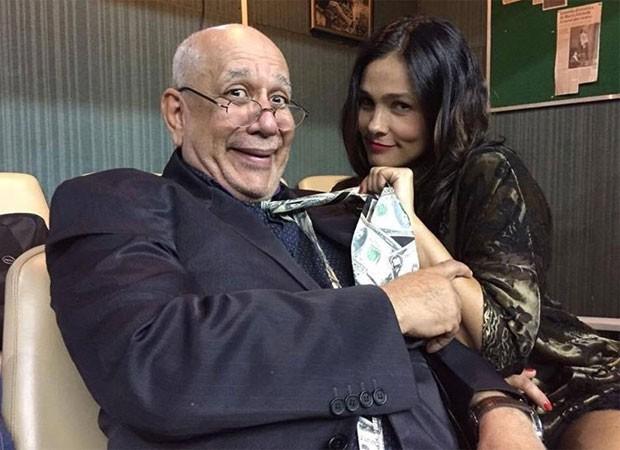 Saulo Laranjeira e Suzana Alves na peça 'Se meu gabinete falasse' (Foto: Reprodução/Instagram)