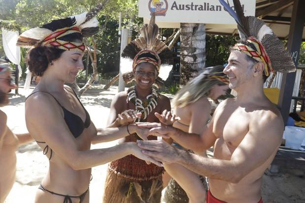 Cynthia Benini é pedida em casamento por Ally Murade (Foto: Fred Pontes)