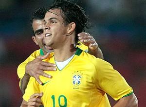 Tales jogando pela seleção sub-20 (Foto: Reuters)