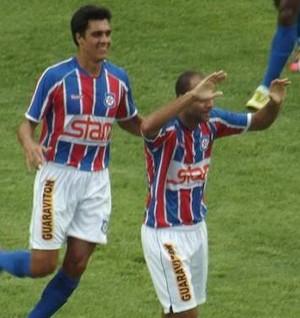 Marcelo comemora gol do Friburguense sobre o Duque (Foto: Vinícius Gastins/ASCOM)