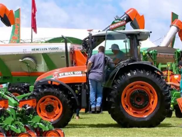 Máquinas na Expodireto  (Foto: Reprodução/RBS TV)