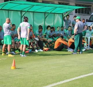 Guto Ferreira Chapecoense e jogadores (Foto: Cleberson Silva/Chapecoense)