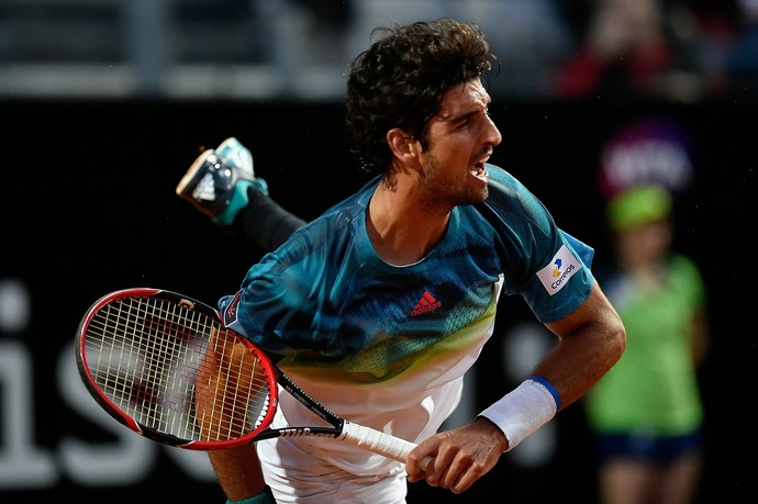 Thomaz Bellucci x Novak Djokovic no Masters 1000 de Roma 2016 (Foto: Getty Images)