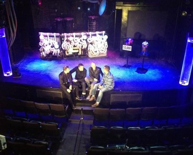 Luciano Huck vai a Nova York para saber sobre finalistas (Foto: Caldeirão do Huck/TV Globo)