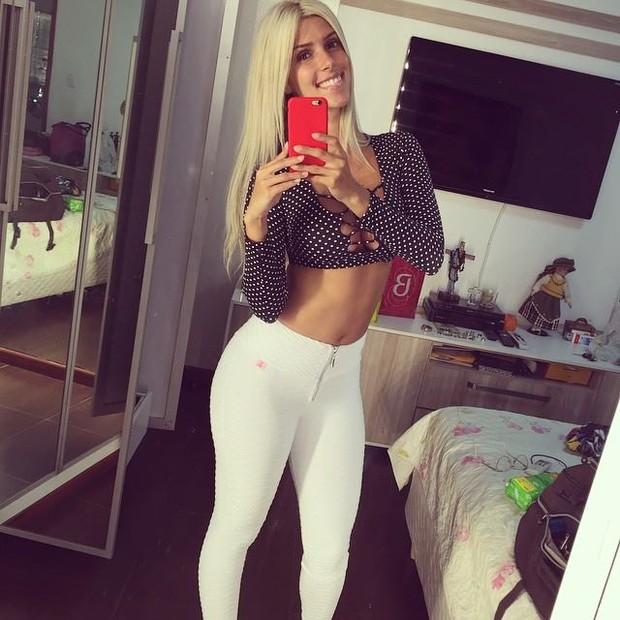 Thábata Mendes a nova vocalista da Banda  Calypso
