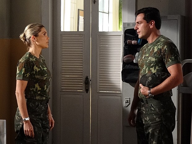 Théo promete que vai acertar as contas com Élcio (Foto: Salve Jorge/TV Globo)